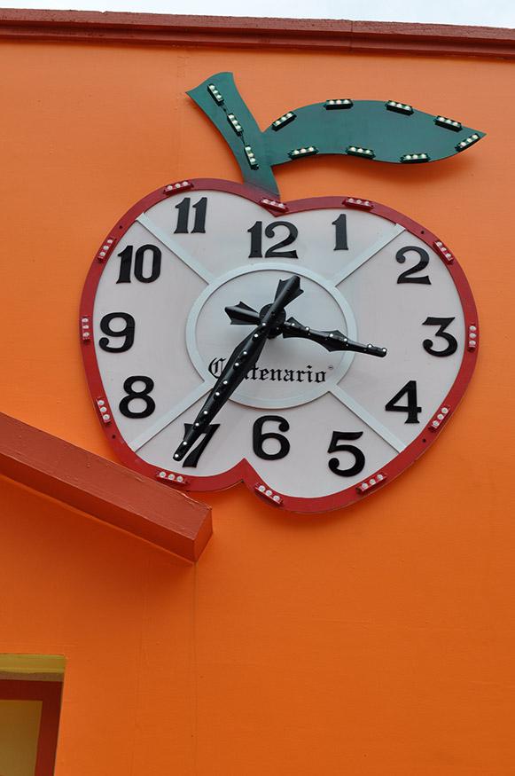 The Apple Clock